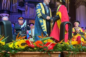 honorary-doctorate-award-04